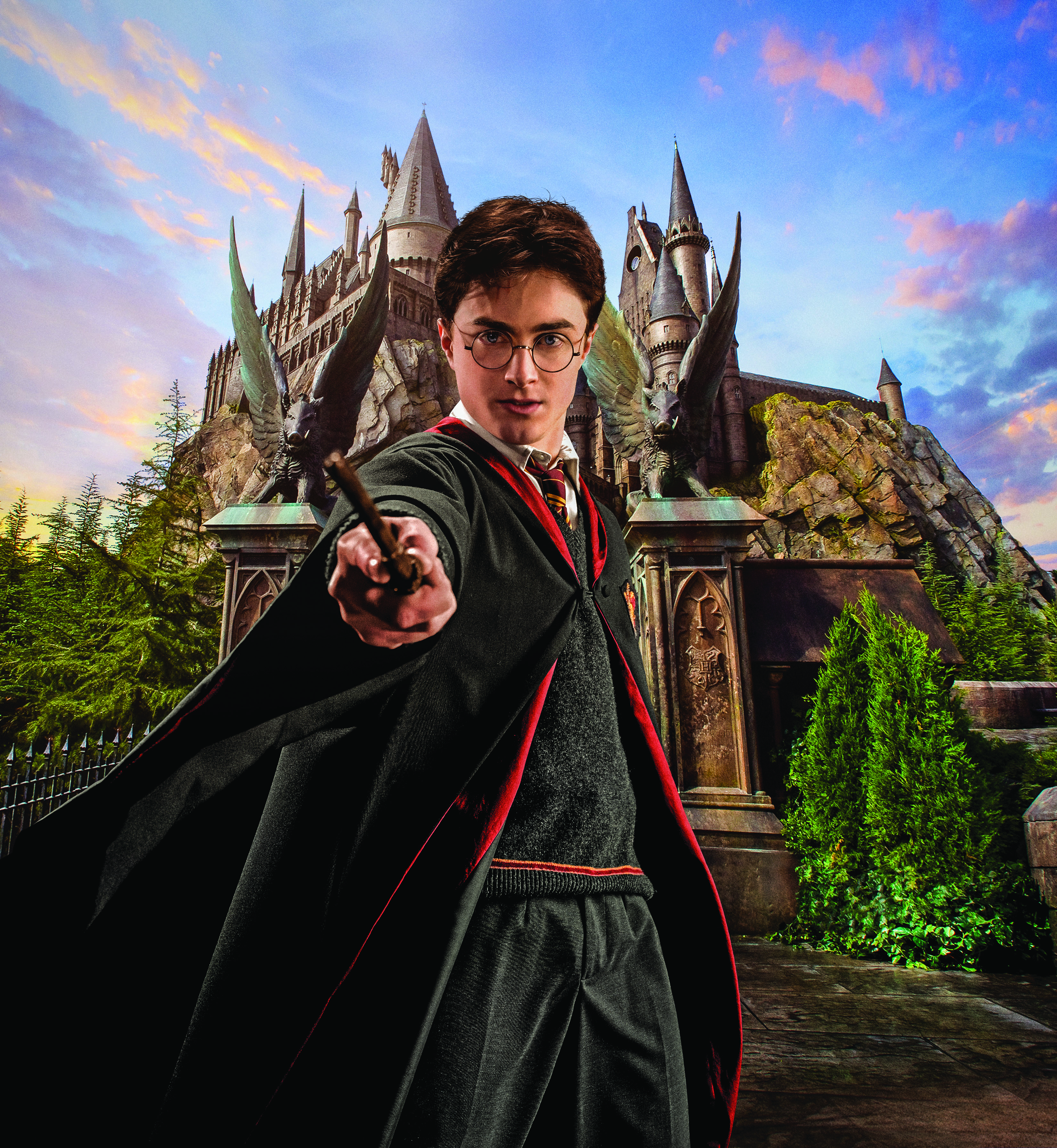 WWHM_HC_Harry in front Hogwarts